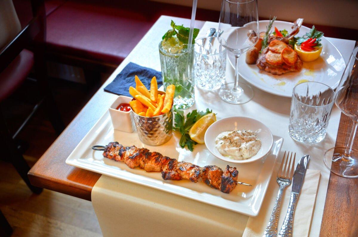 gastro pub restaurant in loch lomond